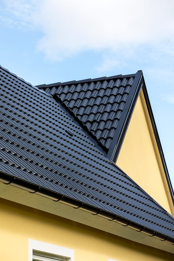 Hemma hos Åsa och Viktor detaljer tak, AChoice stenhus